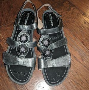 Abeo Gia Silver Sandals. Size 10